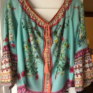 Cutest top with jeans or white pants